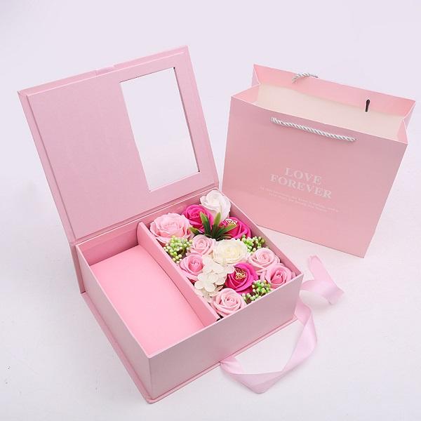 nước hoa tặng vợ